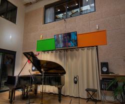 piano high shot