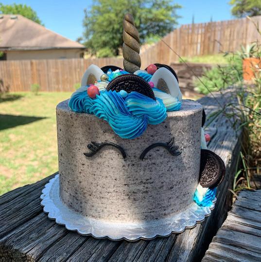 Oreo Unicorn Cake