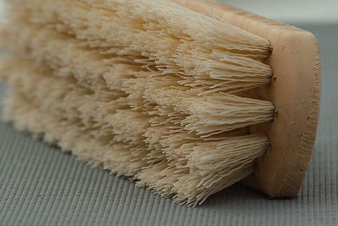 brush-1324467_1920.jpg
