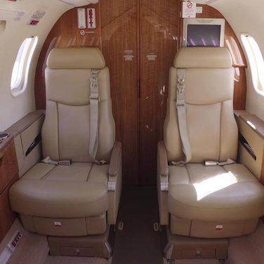 Lear 45XR interior