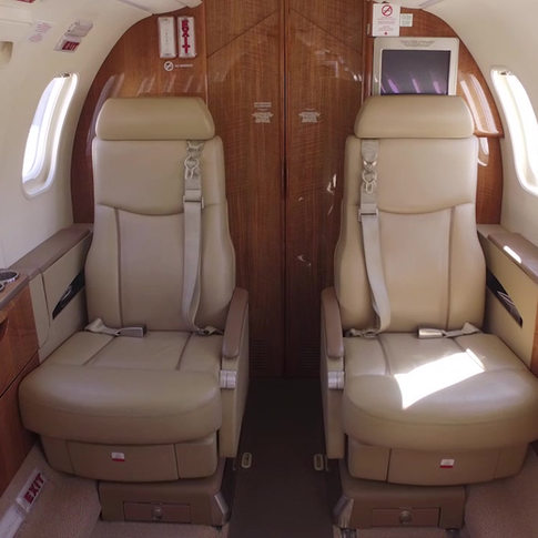 Lear 45XR interior