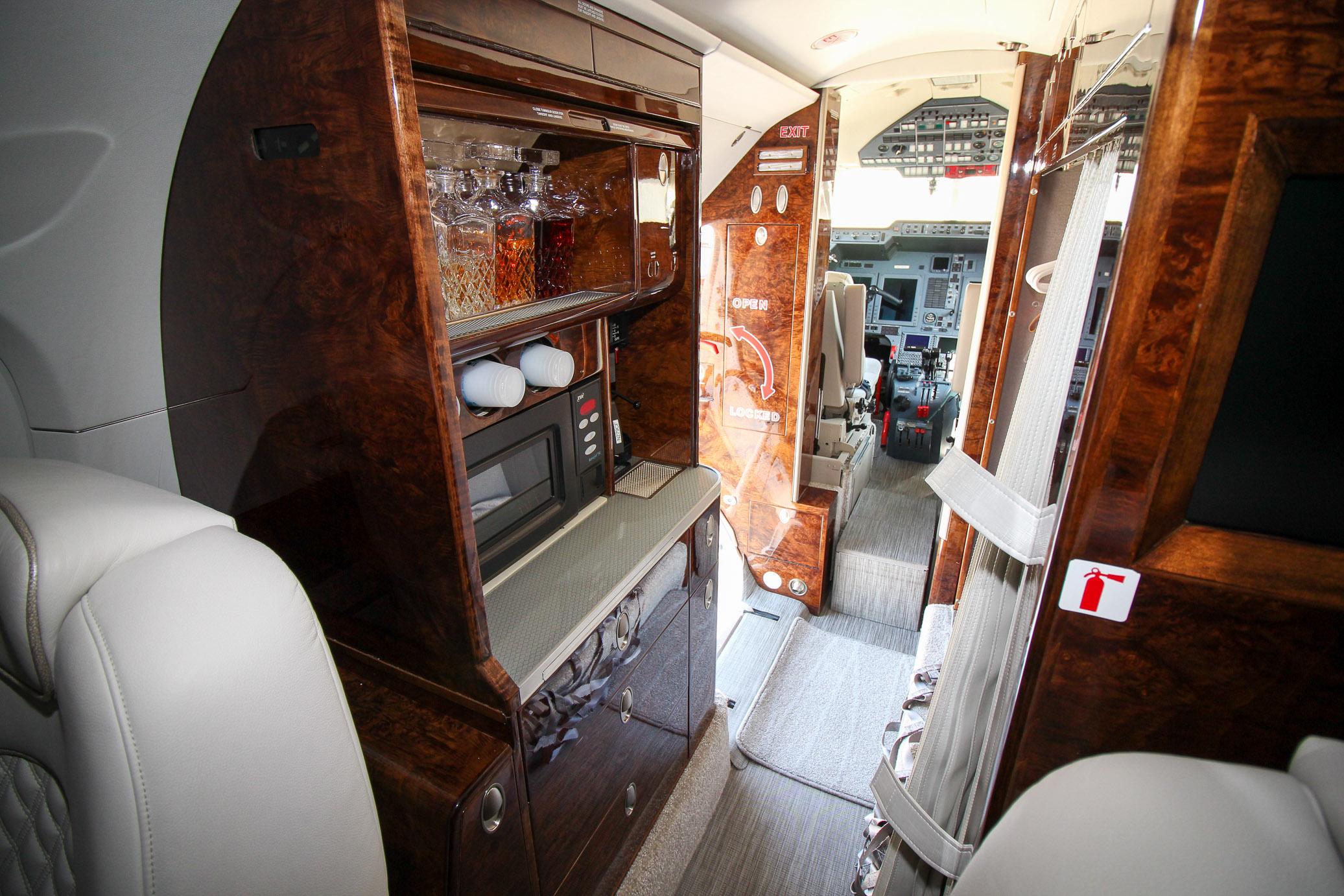 N279CF Interior-4