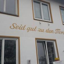 """Hayvanlara iyi davranın!"" Yıl 1842 — Tierschutzverein München'"