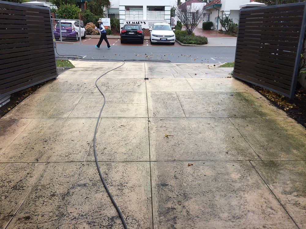 paving mould stains