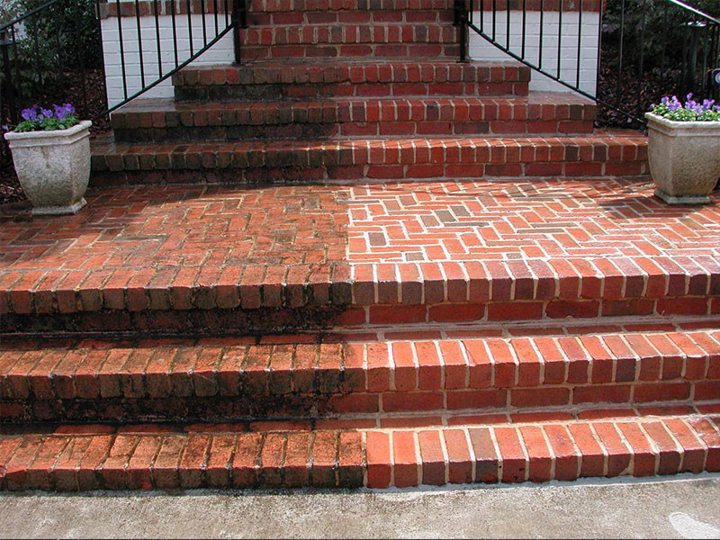 Pressure clean bricks