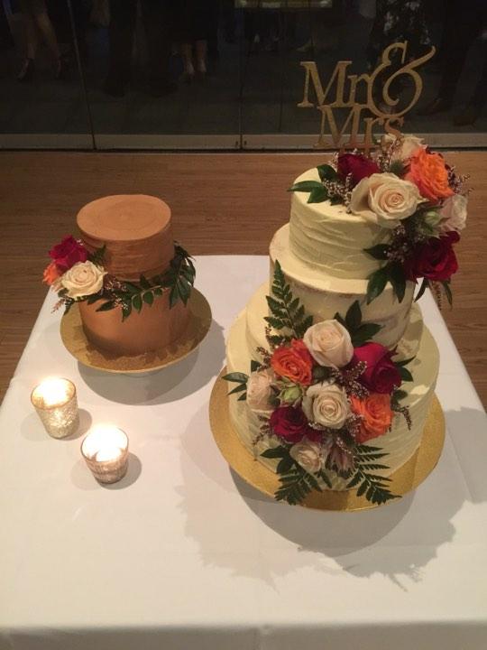 melburne wedding cakes gluten free celebrant Benn Stone
