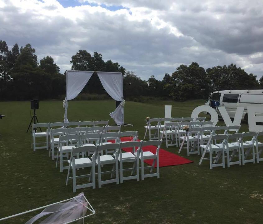 settlers run golf club melbourne wedding celebrant botanic ridge wedding benn stone best fun cheap awesome fun male