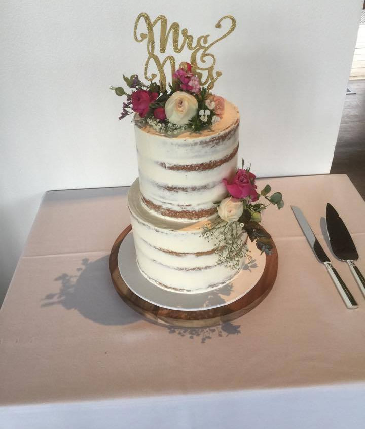 winery yarra valley wedding celebrant wedding cake awesome