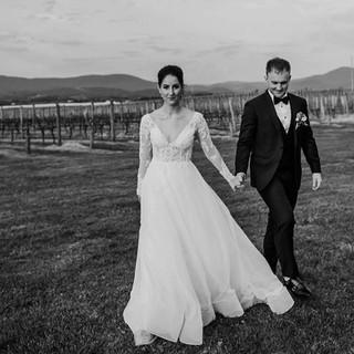 melbourne yarra valley celebrant benn stone fun relaxed weddings.jpg