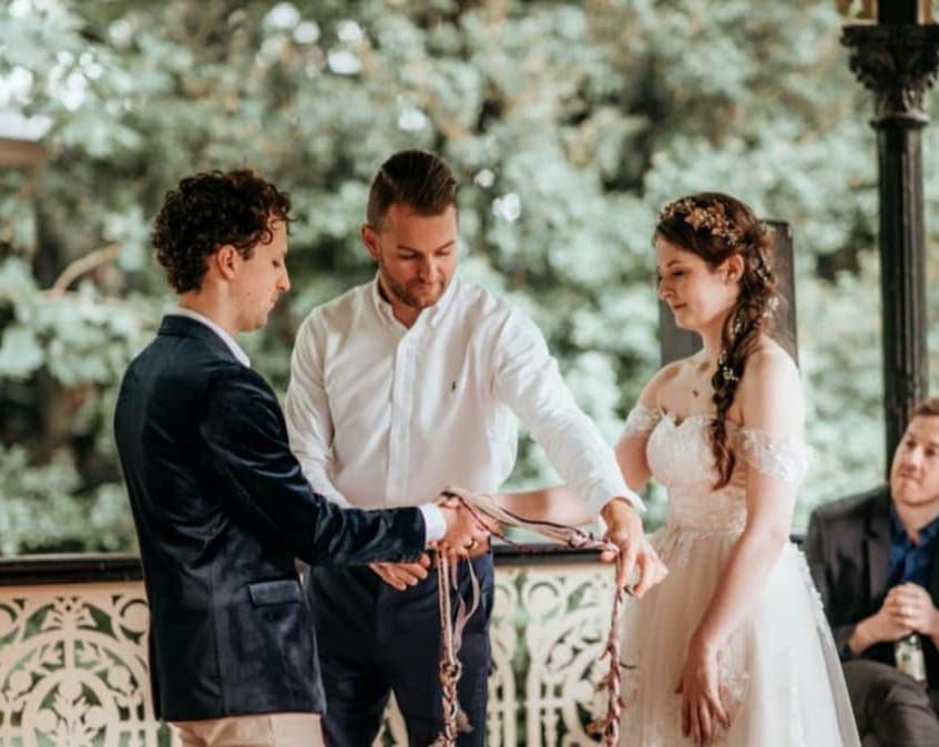 free covid wedding celebrant