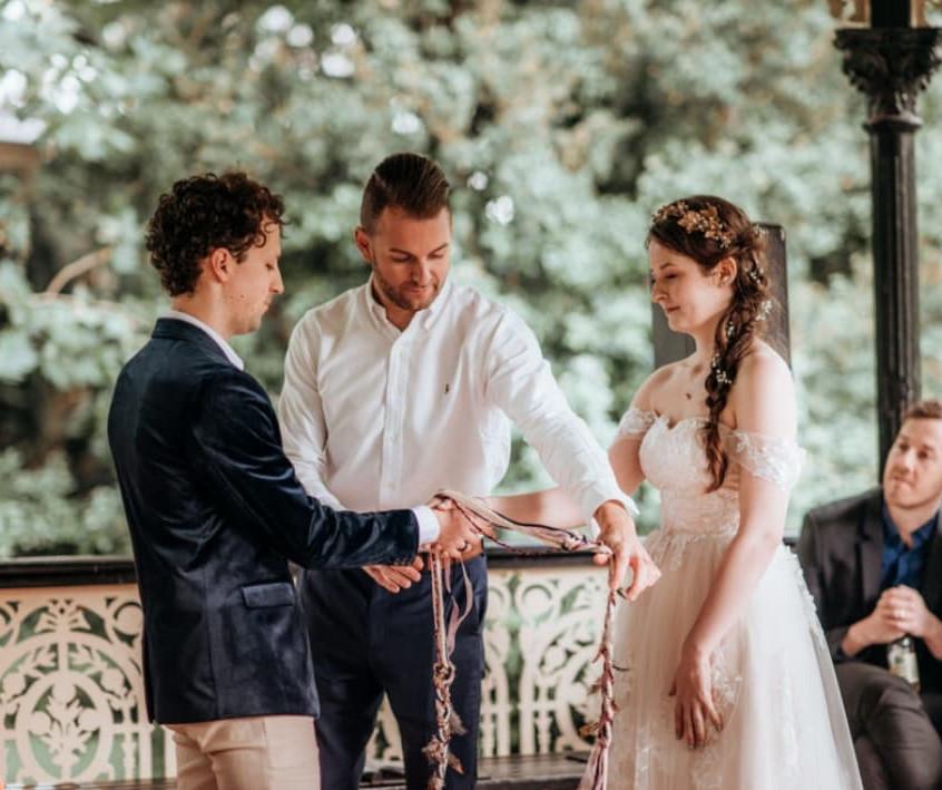 celebrant hand tieing