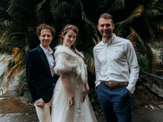 Melbourne Cityside Celebrant - Benn Stone offering a FREE wedding for you!