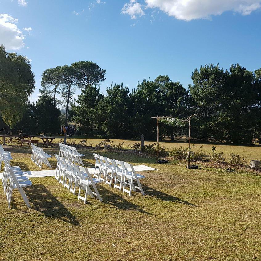 cool fun relaxed weddings