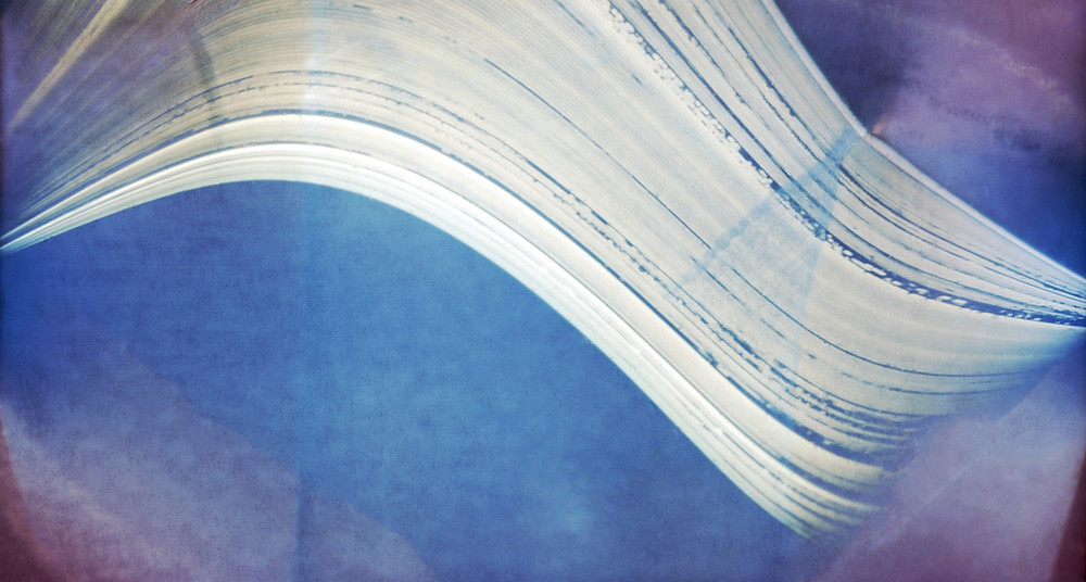 Solargraph by ESO's APEX; https://en.wikipedia.org/wiki/Long-exposure_photography#/media/File:Solargraph_APEX.tif