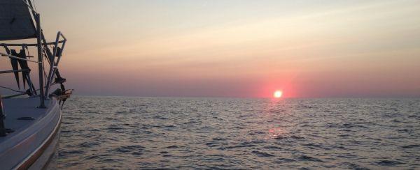 sunset-med-468f1935ff184a768562459cbdb0ac20_f931.jpg