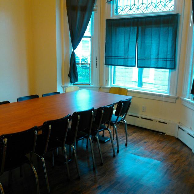 dining room b).jpeg