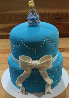 Princess perfect Cake by Sweet Revenge