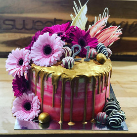 Floral Gold Drip Cake