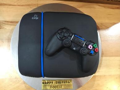 Playstation Cake by Sweet Revenge
