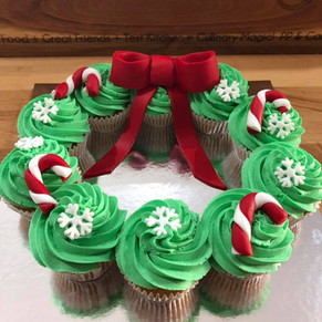 Xmas cupcake wreaths by Sweet Revenge
