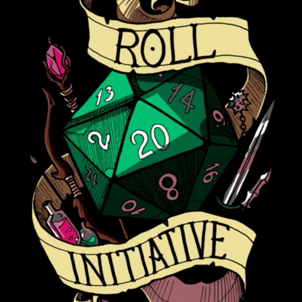 """Um dado verde, de 20 lados, envolto em uma faixa com o texto """"Roll Initiative"""" (ou """"role iniciativa"""")"""