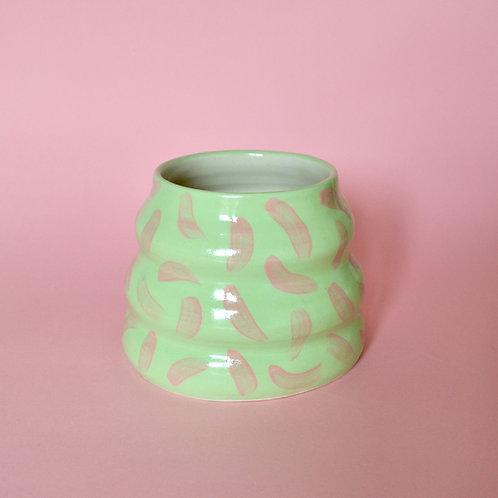 Big Wiggle Pot - Lime with Pink Dash