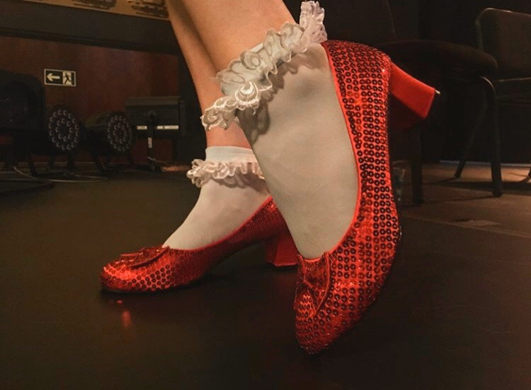 Red-Ruby_shoes_2019