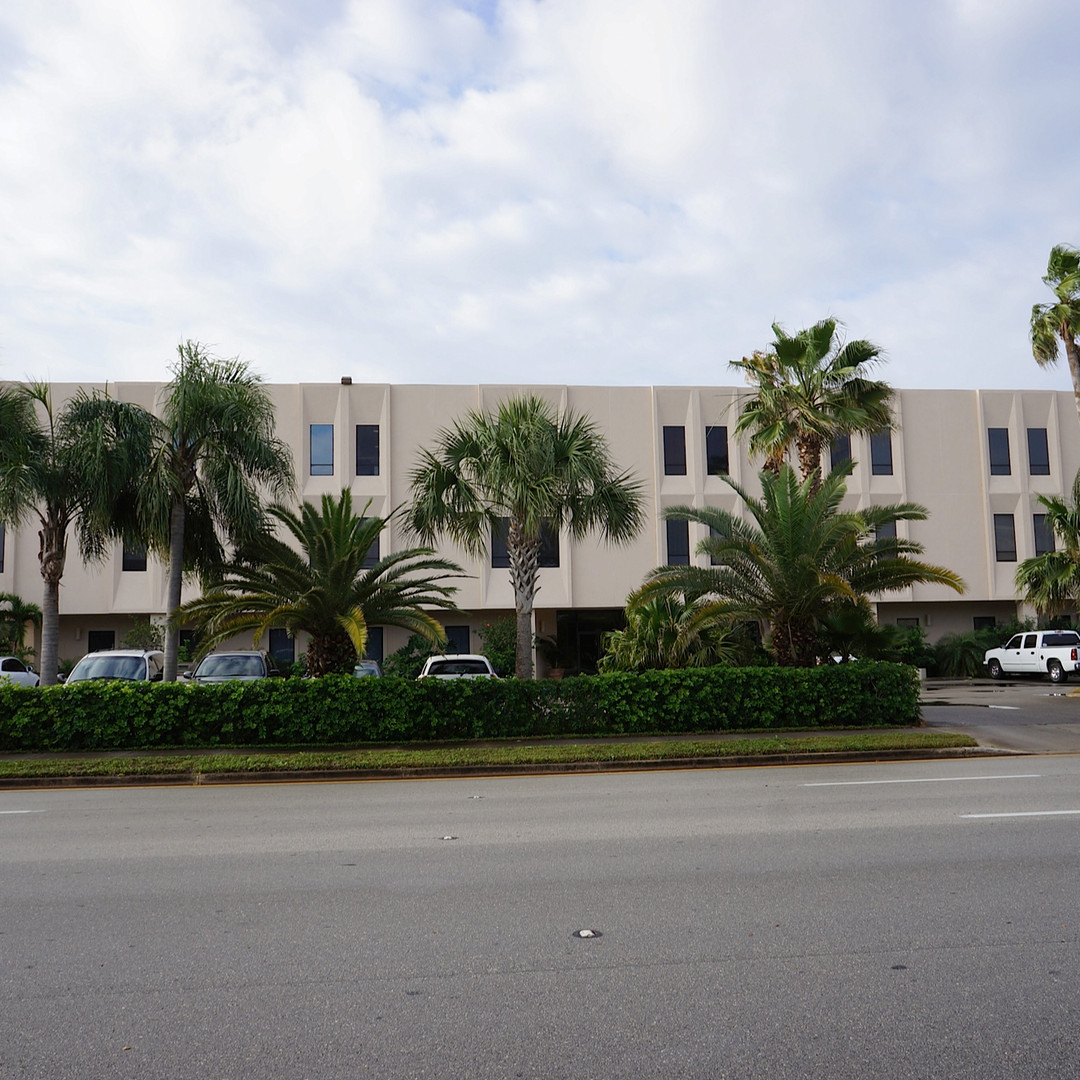 The 2001 Building Exterior Front View | 2001 9th Ave., Vero Beach, FL | Florida Commercial Property, Buildings, and Office Space Leasing