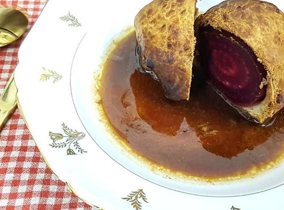 Betterave cuite en croûte jus de viande