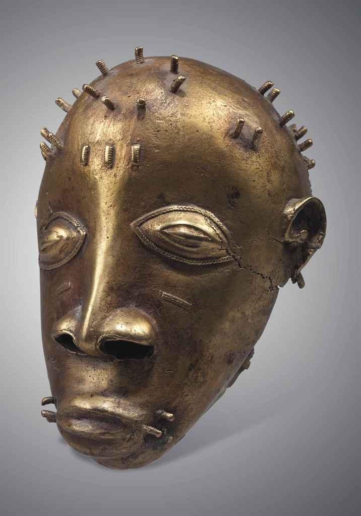 Tête de bronze akan du Ghana