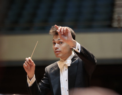 Conducting the Worthing Philharmonic.  Photo by Mike Austin