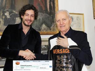 Old Star Game, consegnato un assegno di 4.500 euro al presidente di Operation Smile, Santo Versace