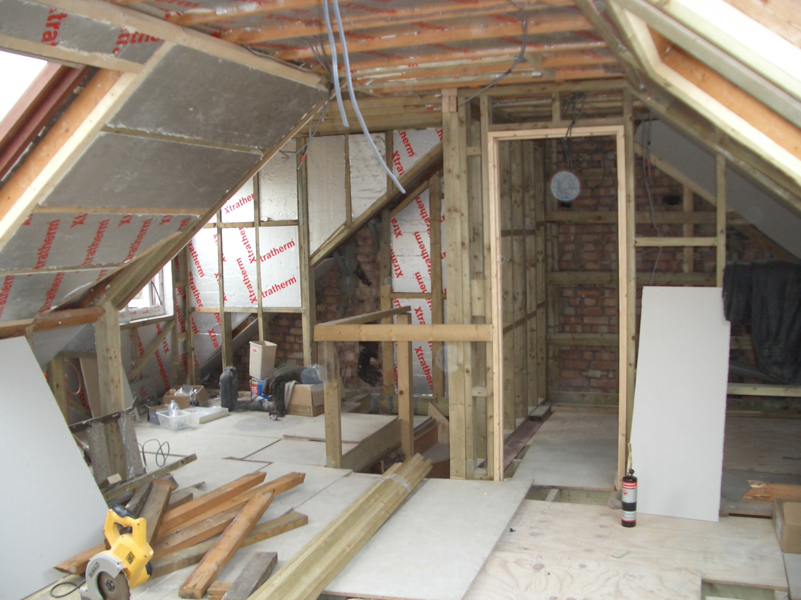 New walls in loft extension