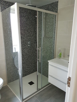 Bathroom 1 completed