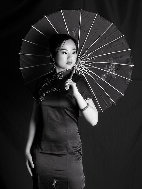 Sweet 16, beauty shots, photo, video, traditional chinese dress, Rieken Weddings 9548227273, black and white