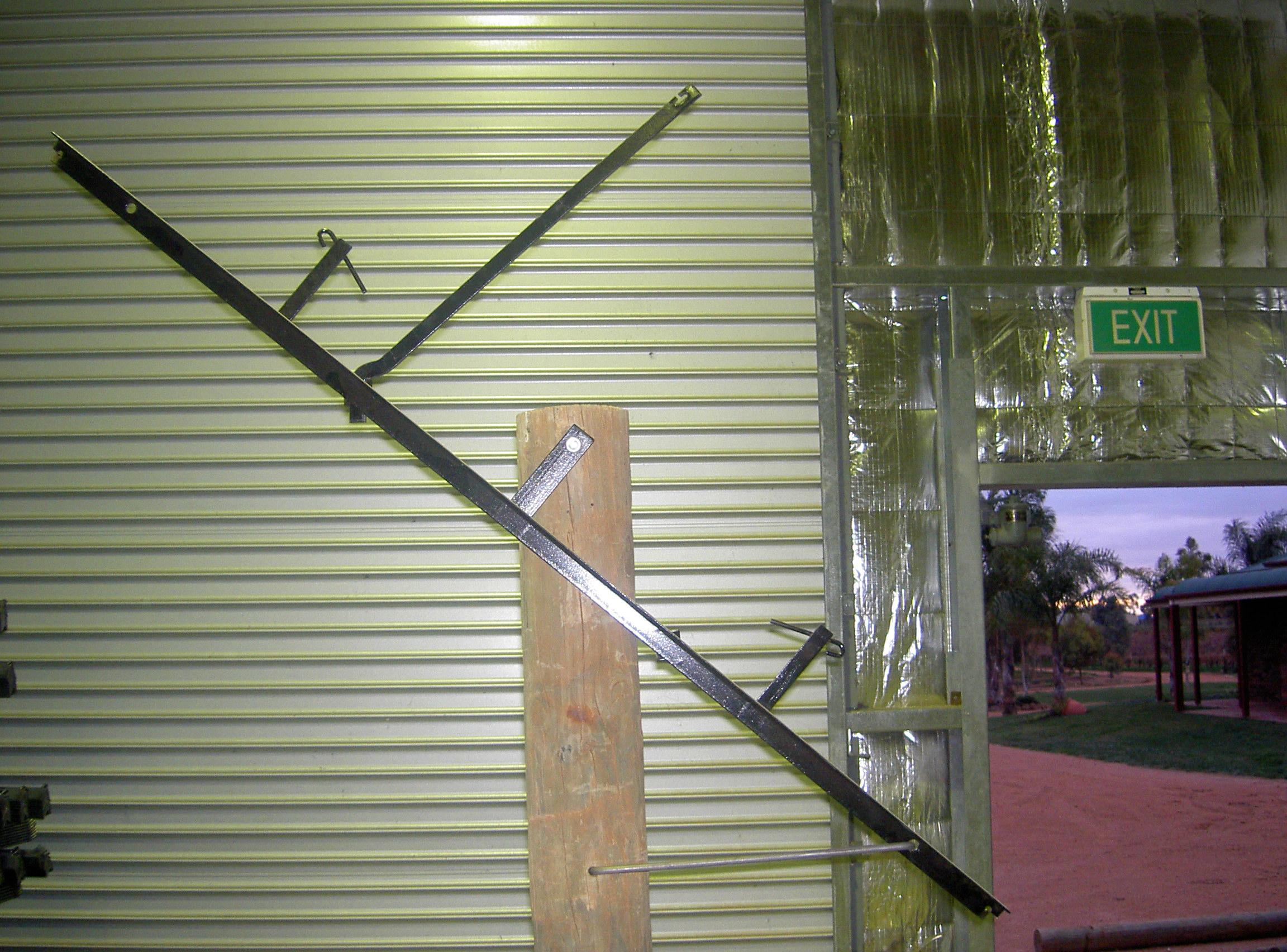 Shaw Swing Arm Trellis System
