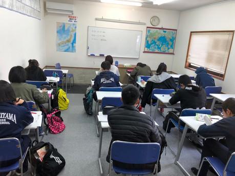 冬期講習会開始 曽於市の受験生の朝は早い!