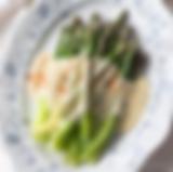 Asparagus with Hollandaise sauce.png