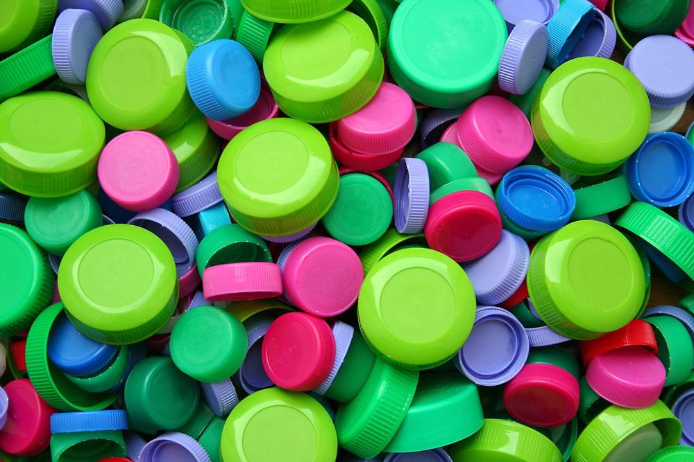 bouchons bouteilles plastiques