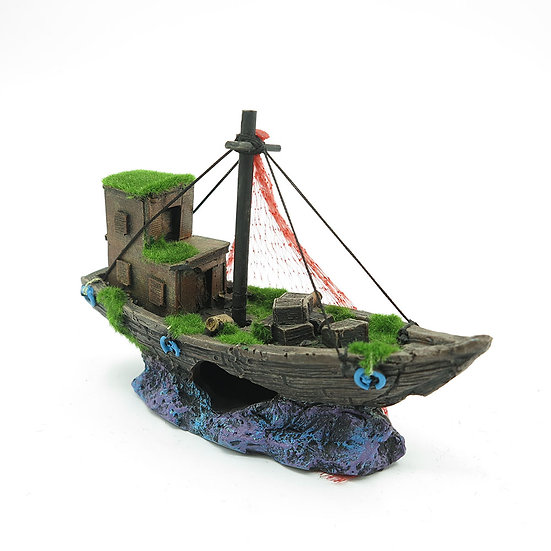 Detailed Shipwreck with Fake Moss (18cm)