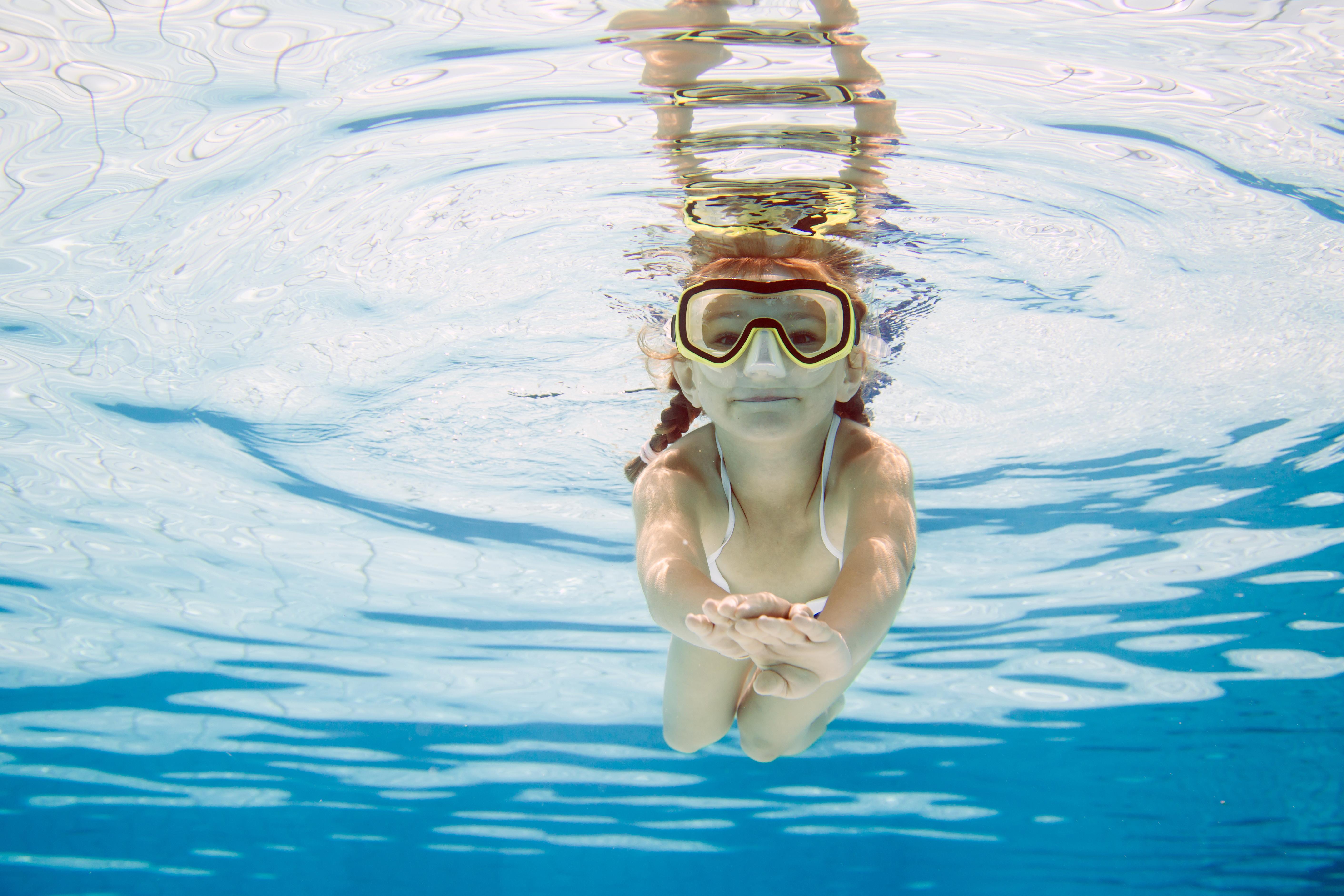 girlsnorkeling
