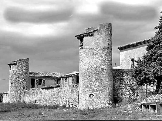 Bâtiment - Ferme Templière Fortifiée var 83.