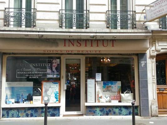 PARFUMERIE ET INSTITUT DE BEAUTE - PARIS 10