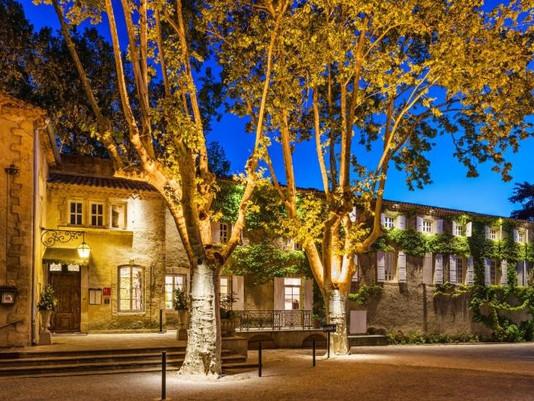 ETABLISSEMENT HÔTELIER **** 100 Clefs - Bouches-du-Rhône (13).