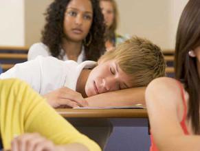 Por que as aulas começam tão cedo?