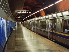 A cidade pelos trilhos do metrô