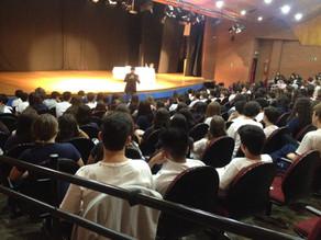 A escola Santa Maria em São Paulo recebe João Pedro Roriz para falar sobre mitologia e seu livro Ero