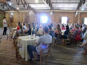 Cotiporã e Formigueiro recebem palestra motivacional na abertura de ano letivo