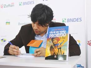 Feira do Livro de Porto Alegre e programa Adote um escritor