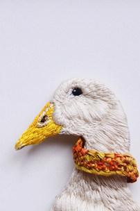 幫鴨子換領巾